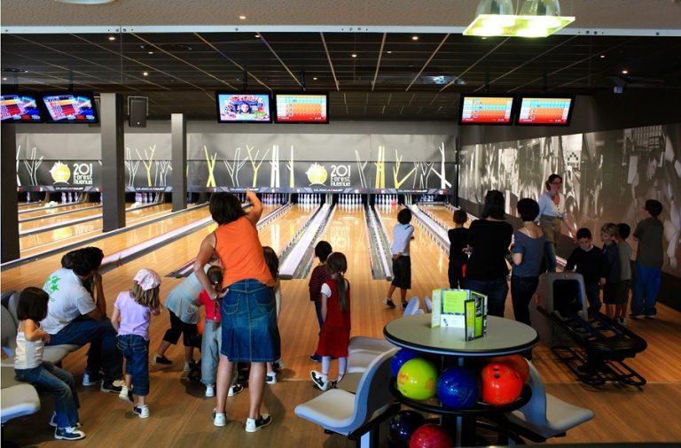 Aller au bowling avec un enfant : c'est possible !