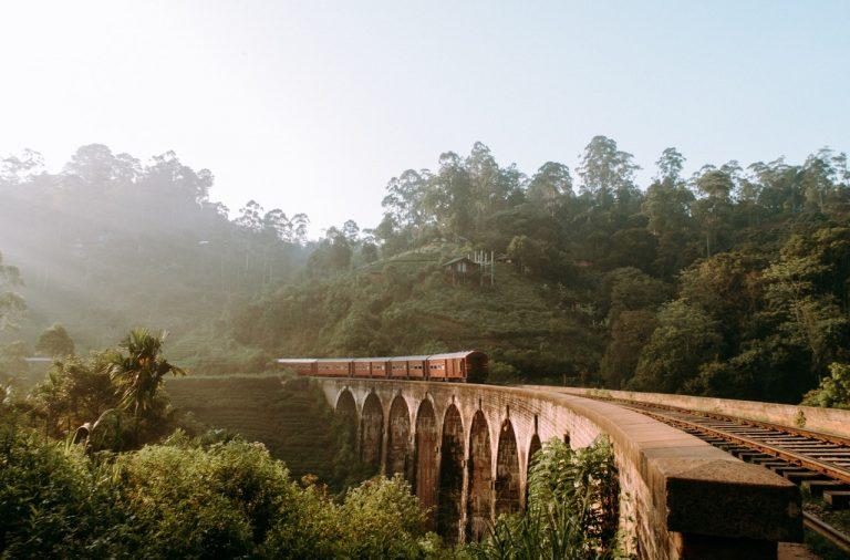 Voyager en train en famille à travers le Sri-Lanka